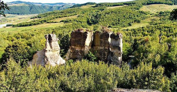 Rezervaţia naturală Grădina Zmeilor (foto: Nicu Farcaş - wikipedia.org)
