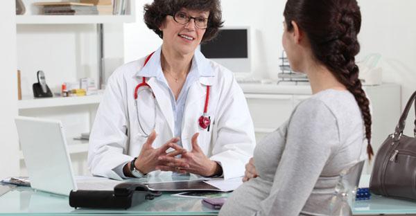 Gravidă consultată de medic