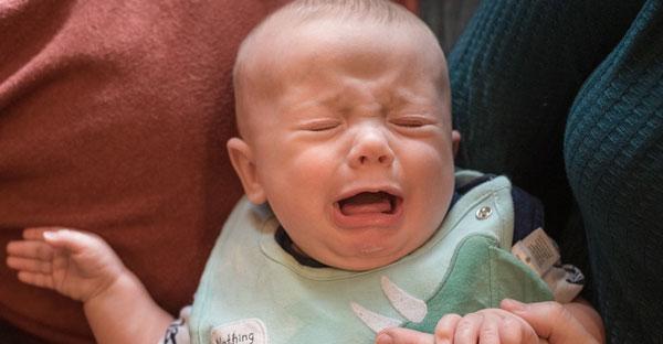 Teama de străini la bebeluşi